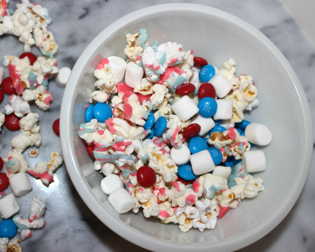 4th of July Popcorn Party Mix | longdistancebaking.com