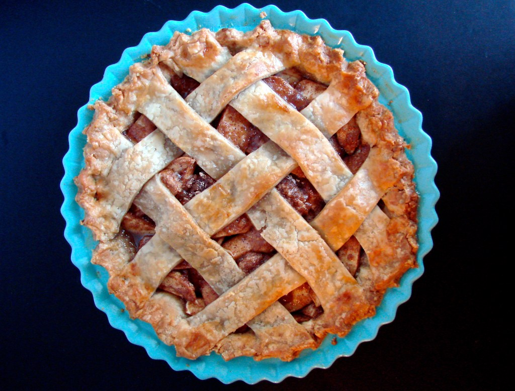 Classic Apple Pie | longdistancebaking.com