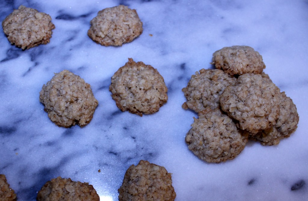 Mini Oatmeal Cookie Crisps