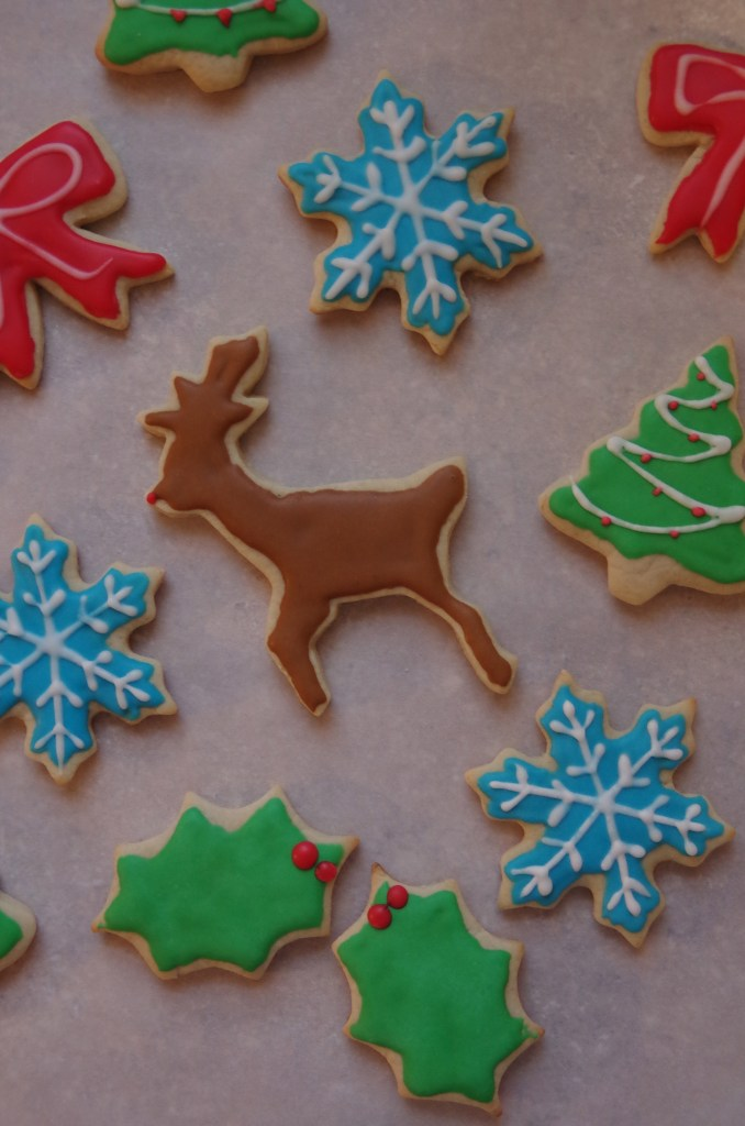 Royal Icing How-To | longdistancebaking.com