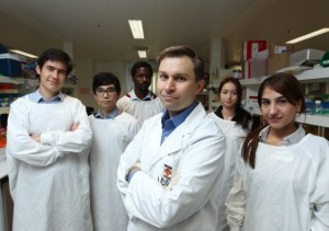 Professor David Sinclair and his team at the UNSW lab.