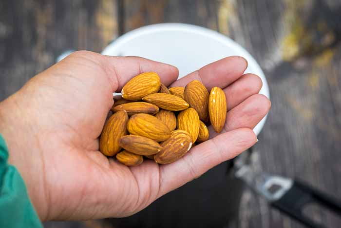 Overnight_Museli_Almonds_USE-1
