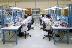 Bàn sản xuất bàn lắp ráp bàn công nghiệp (1)