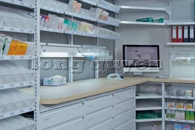 Giá kệ dược phẩm trong nhà thuốc bệnh viện (4)