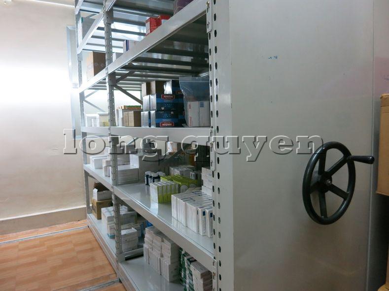 Giá kệ dược phẩm kệ để thuốc Mobile Shelving bệnh viện Hồng Ngọc (6)