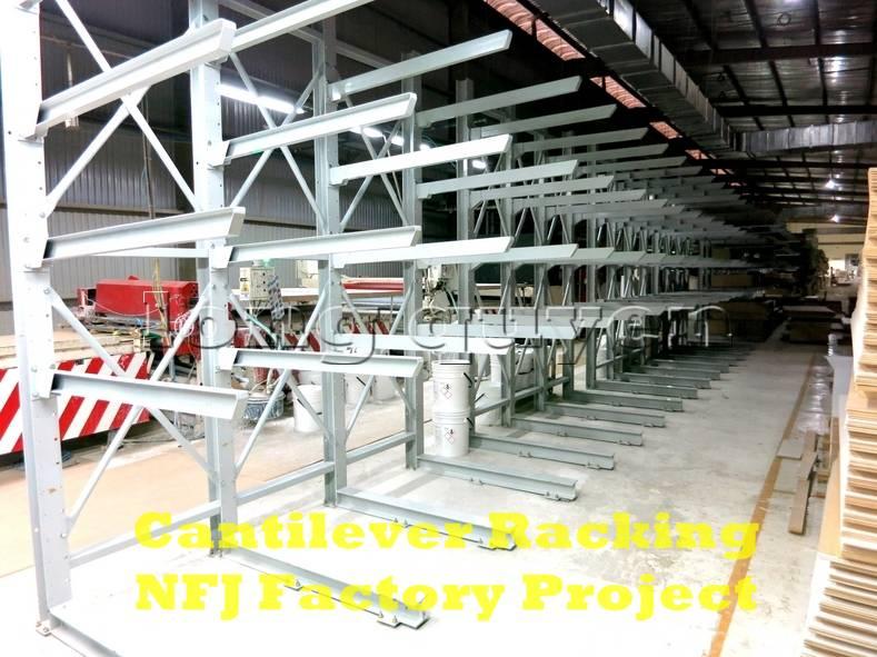 Giá kệ tay đỡ Cantilever tại dây chuyền sản xuất nội thất nhà máy NFJ (5)