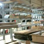 Giá kệ tay đỡ Cantilever tại dây chuyền sản xuất nội thất nhà máy NFJ