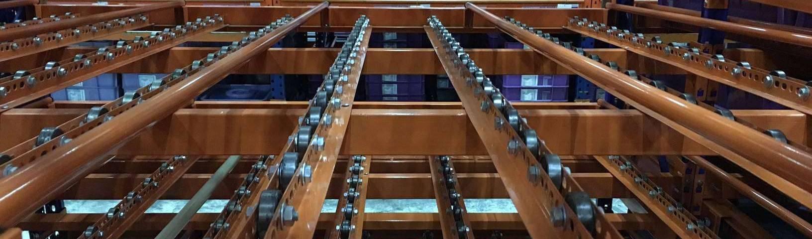 Giá kệ trôi kệ dòng chảy để vật tư trong xưởng lắp ráp nhà máy SMHN_heading