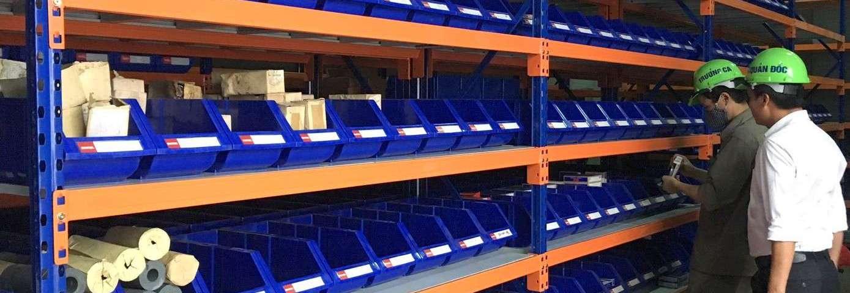 Giá kệ để hàng rời hạng trung lắp đặt tại nhà máy thép Việt Đức-head