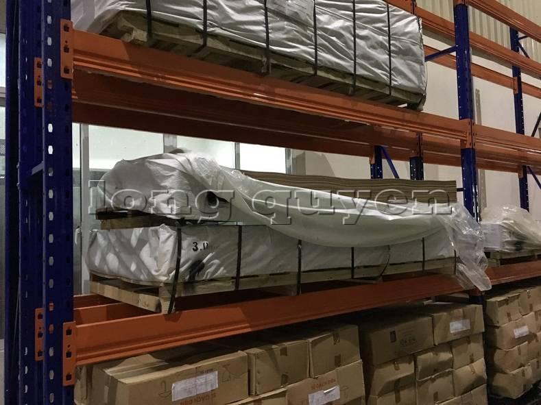 Kệ sắt kệ để hàng kệ kho hàng lắp đặt tại nhà máy thiết bị điện Sanaky (12)