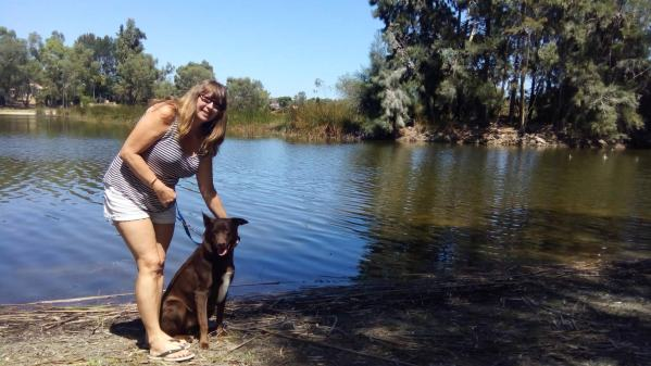 Bundy takes Vanessa to the lake at the local park