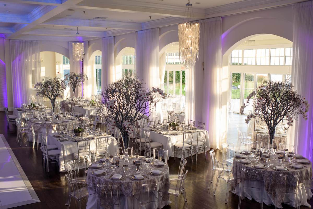 alternative wedding-reception-venue-newport-rhode-island-outdoor-nelly-12