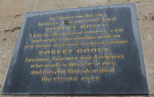 Rober Boyle and Robert Hooke