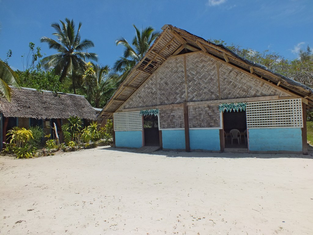 Welcome to Lonnoc Eco Beach Bungalows - Espiritu Santo, Vanuatu 2