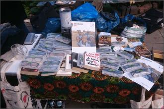 Der gemeinsame Stand von my-Spexx und L'Appel auf dem Flohmarkt in der Alten Feuerwache in Köln