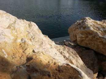 mopana-white-beautiful-rocks-12