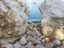 mopana-white-beautiful-rocks-05