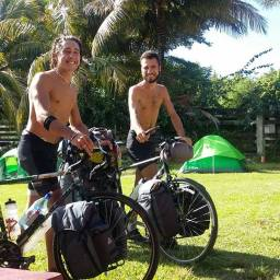 Leo & Yacine, two french brothers coming from Miami by bikes!