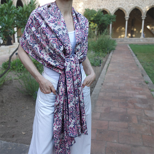 chal rosa azul look by lyly