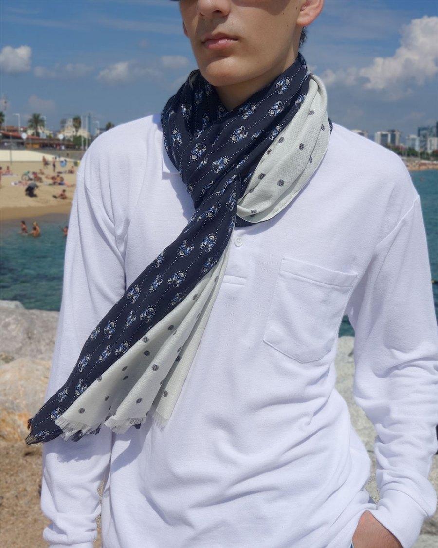 Bufanda hombre azul marino moda sostenible