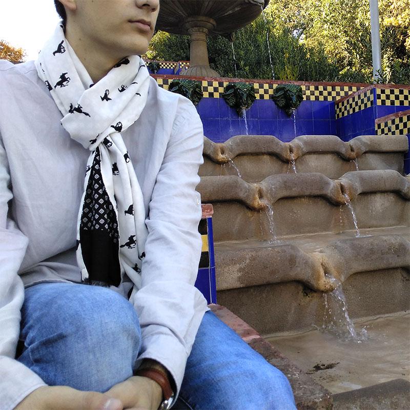 Bufanda hombre negro y blanco moda sostenible