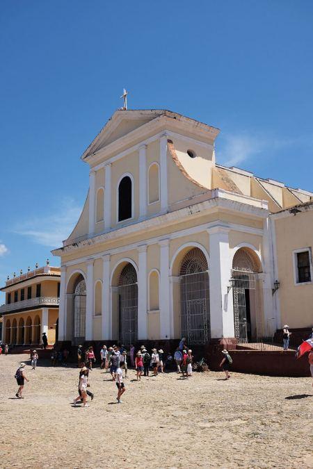 Igreja Espirito Santo em pleno centro de Trinidad