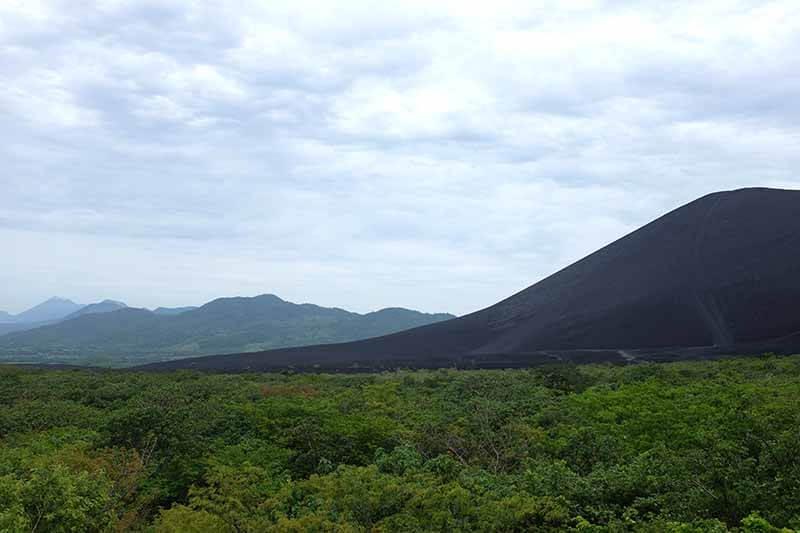A caminho do vulcão Cerro Negro