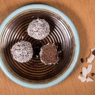 Fine Chocolate-Hempseed Pralines with a Coconut Coating (Sugar-free)