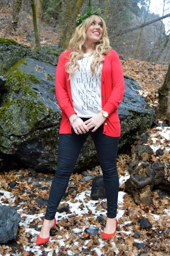 I love this Christmas style with the boyfriend cardigan and red heels!