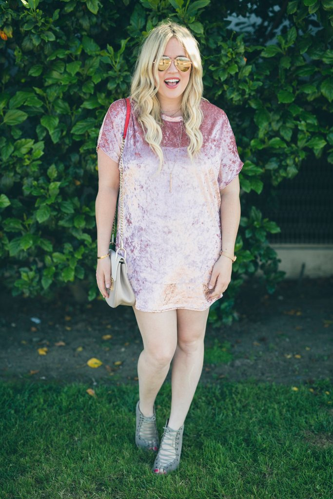 Velvet Pink Mini Dress xx Wight Gold, wight gold, velvet dress, pink velvet dress, san diego, san diego blogger, ootd, coronado, style blogger, fashion blogger, pregnant blogger, pregnancy