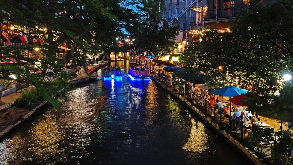 Dog friendly SAN ANTONIO river walk, Houston