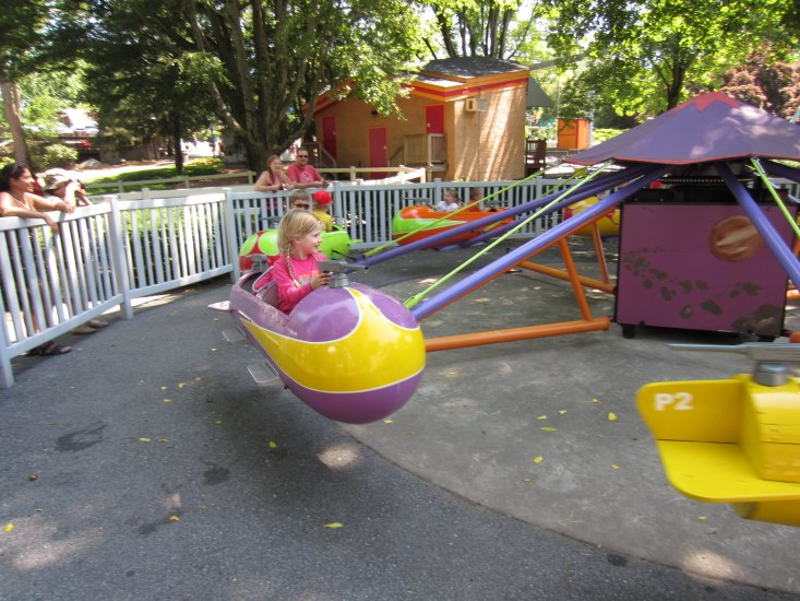 Looking for a place to visit in Pennsylvania along with your kids? Look no further than the Dutch Wonderland.