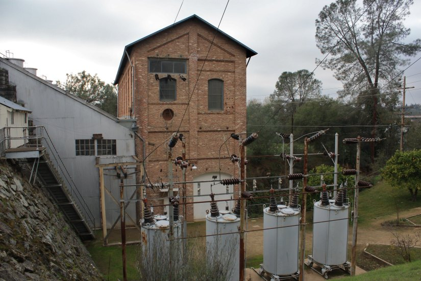 Guided tours are available here at the Folsom powerhouse state historic park for more informed visit.