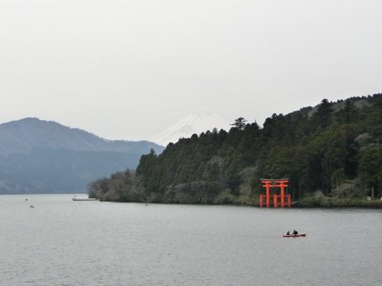 蘆之湖─隱約可見富士山和箱根神社