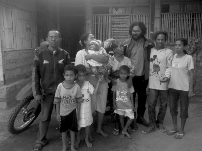 This is Vincent and his loving family. amazing hospitality, even though i spoke no word of their language. saying goodbye to all. Thank you Vincent, you saved my life. Hope one day, i will be back to your Villag eto build a church, like your father asked for...looking forward for that day.