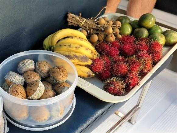 Fruits & Snacks