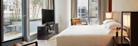 Park-Hyatt-New-York-P210-Terrace-Suite-1280x427