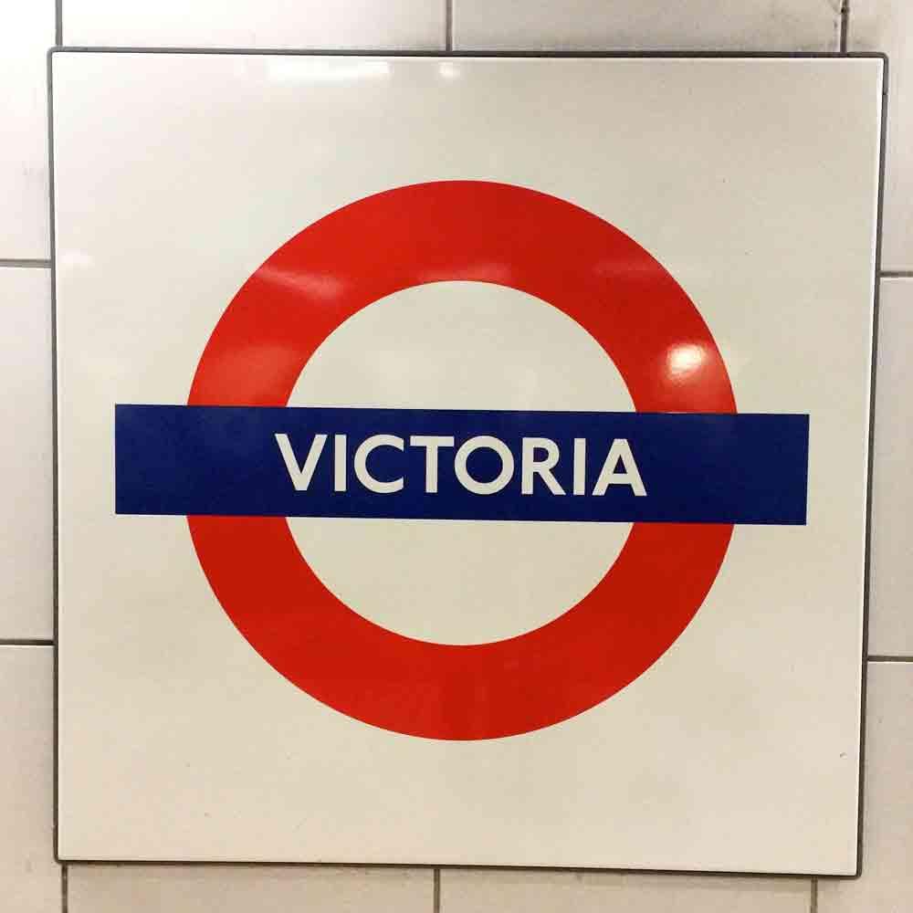 Victoria-station-london-mit-kind_4915