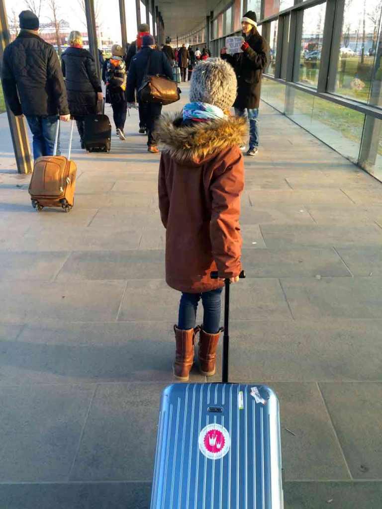 easyjet-berlin-london-mit-kind_4894