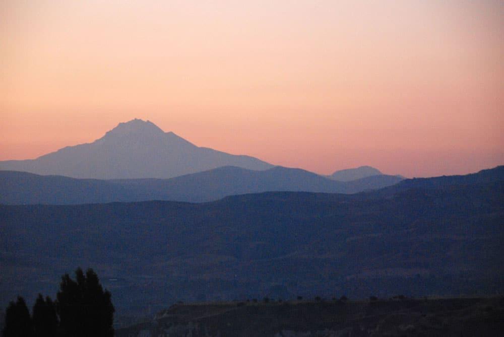 Morgendaemmerung in Kappadokien
