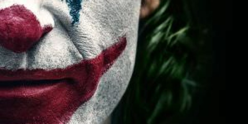 【影評】《小丑》在萬念俱灰的縱身一躍