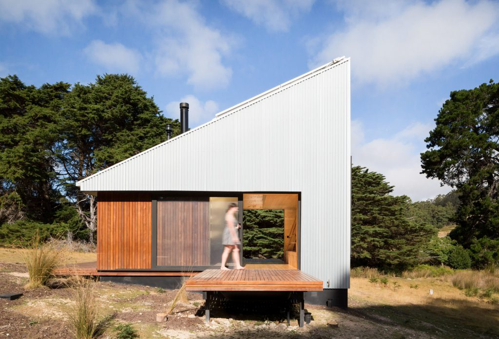 Es posible crear un diseño sostenible con paneles sandwich como el de esta cabaña