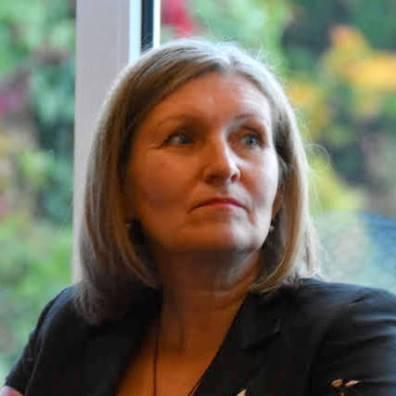 Seoses õpetajatepäevaga tunnustati 5. oktoobril kooli juhtkonna ettepanekul Lääneranna Vallavalitsuse poolt õpetaja Anu Kaljuveed tulemusliku ja aktiivse töö eest algklasside klassijuhatajana.