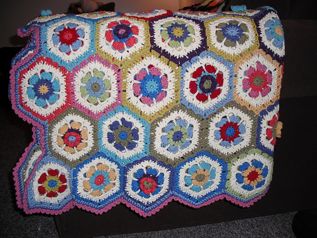 Crochet Blanket Ideas with links to Free Patterns (4/6)