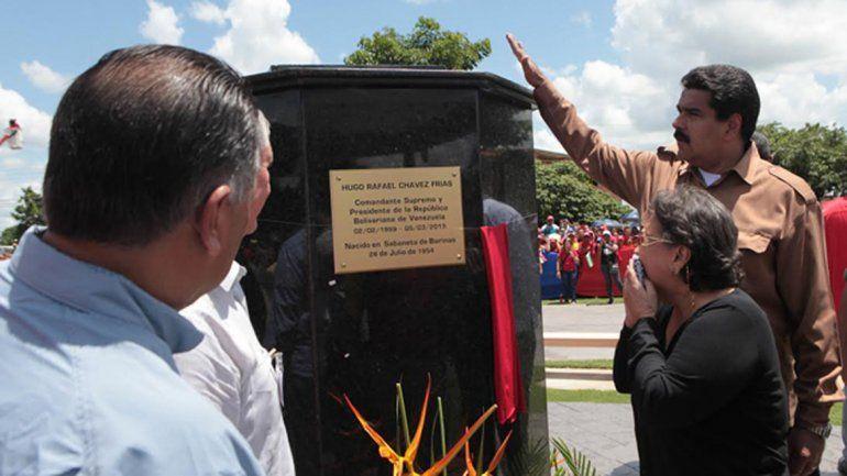 """Se le apareció otro """"pajarito"""" a Maduro y le dijo que Chávez """"está feliz"""" - Foto Taringa"""