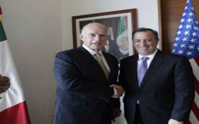 Gobernador de California critica plan de Texas - foto de SRE