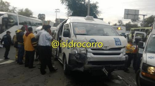 Choque en Zaragoza deja 10 heridos - Foto de @isidrocorro