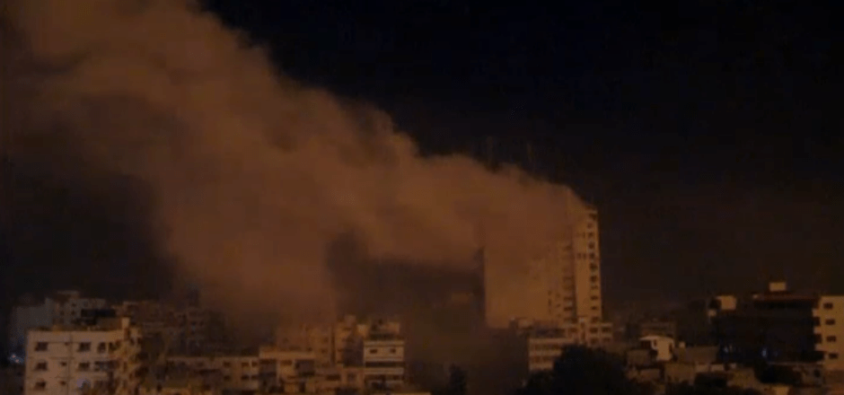 Intensifica Israel bombardeos en Gaza durante la madrugada - Foto de La Vanguardia