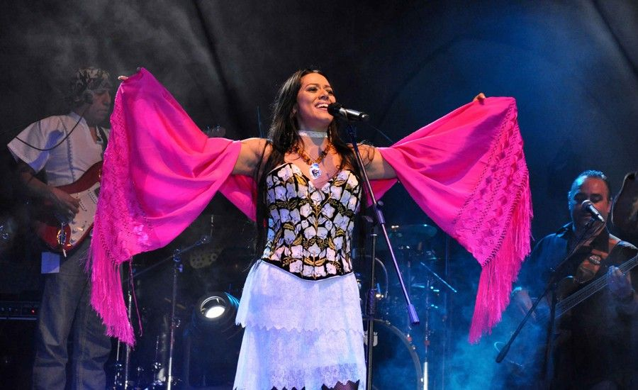 La música habla más fuerte que cualquier discurso: Lila Downs - Internet