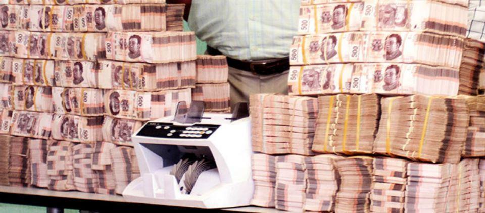 Detienen a hombre con un millón de pesos de procedencia ilícita en Interlomas - Foto de Excélsior